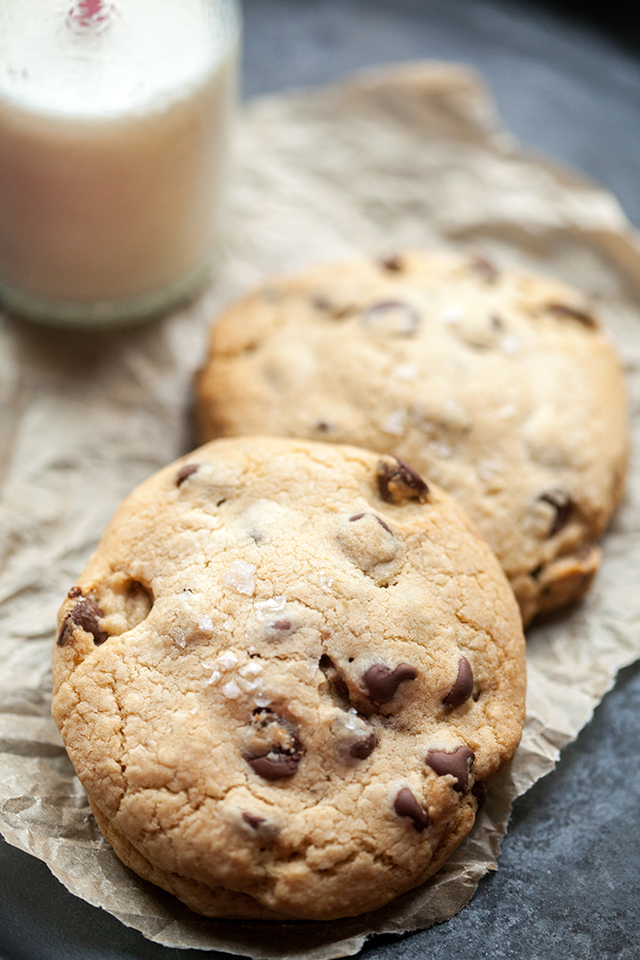 Super Stuffed Chocolate Chip Cookies | spachethespatula.com #recipe