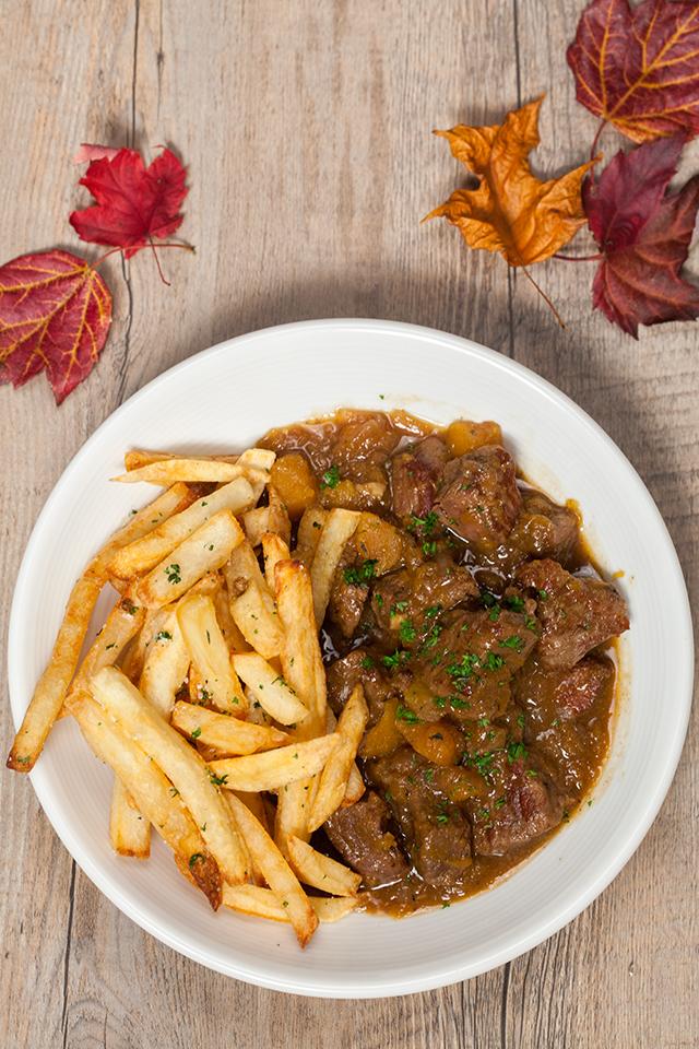Pumpkin Beer Beef Stew with Herbed Fries | spachethespatula.com #recipe