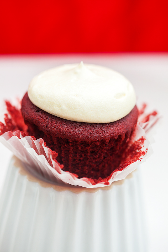 Chocolate-y, vanilla-y, crazy moist cake topped with a tangy-sweet cream cheese buttercream! | spachethespatula.com #recipe