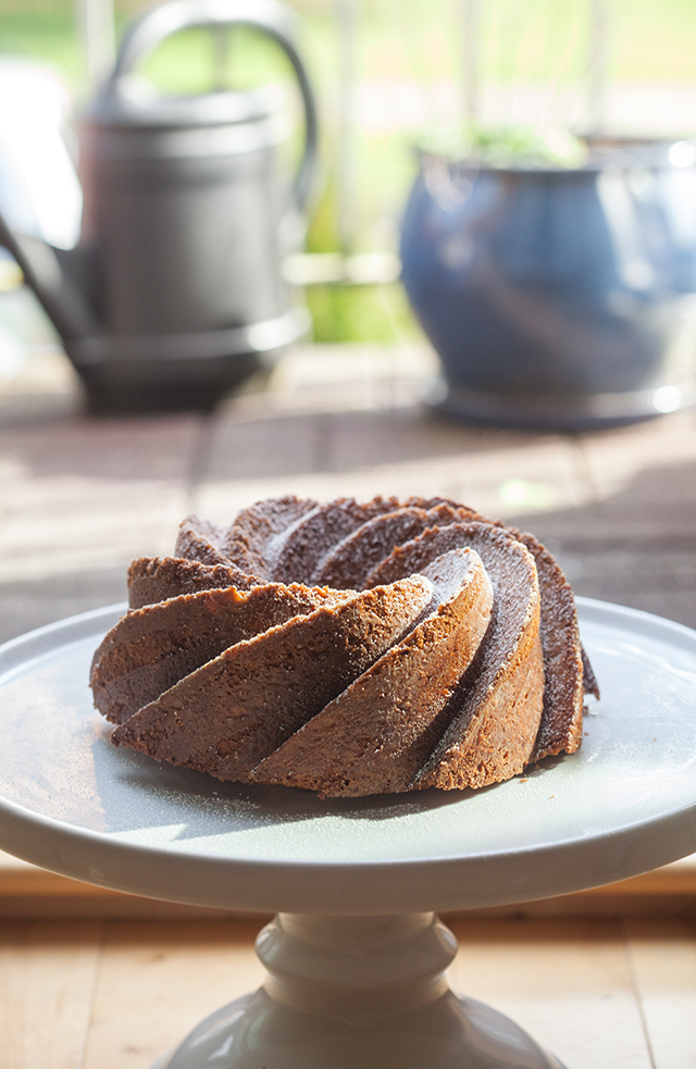 This super moist pound cake is fantastic for breakfast of brunch, or awesome for dessert when toasted and served with ice cream! | spachethespatula.com #recipe