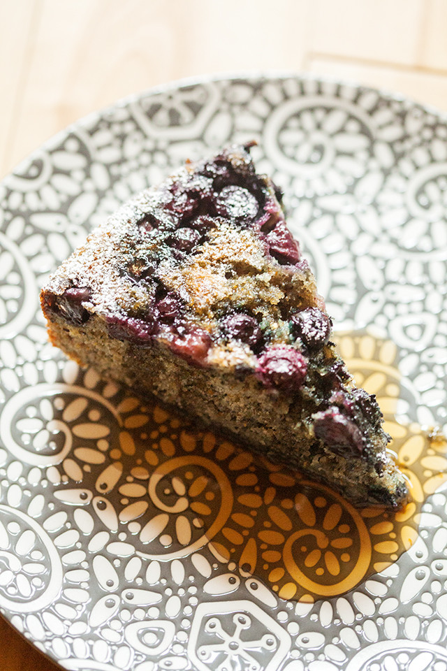 A soft and tender cake made with blue cornmeal for added flair, and studded with juicy blueberries | spachethespatula.com #recipe