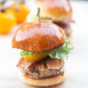 The BEST moist and most flavorful turkey burgers you will ever eat, with all the flavors of a BLT! |spachethespatula.com #recipe