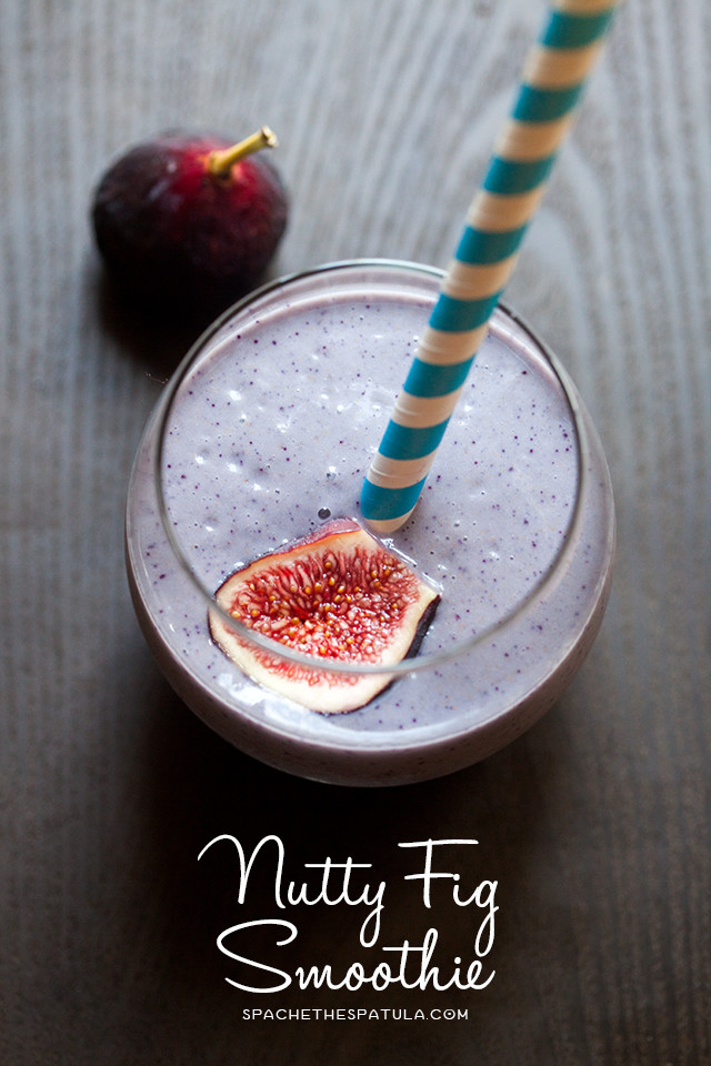 These super simple to make smoothies kinda have a grown-up PB&J flavor to 'em! | spachethespatula.com #recipe