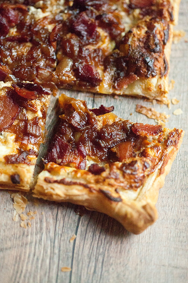 Caramelized Onion, Bacon, and Blue Cheese Puff Pastry Tart ...