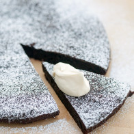 So rich and dense---the perfect fudgy chocolate cake #JoinTheTable #Perugina | spachethespatula.com #recipe