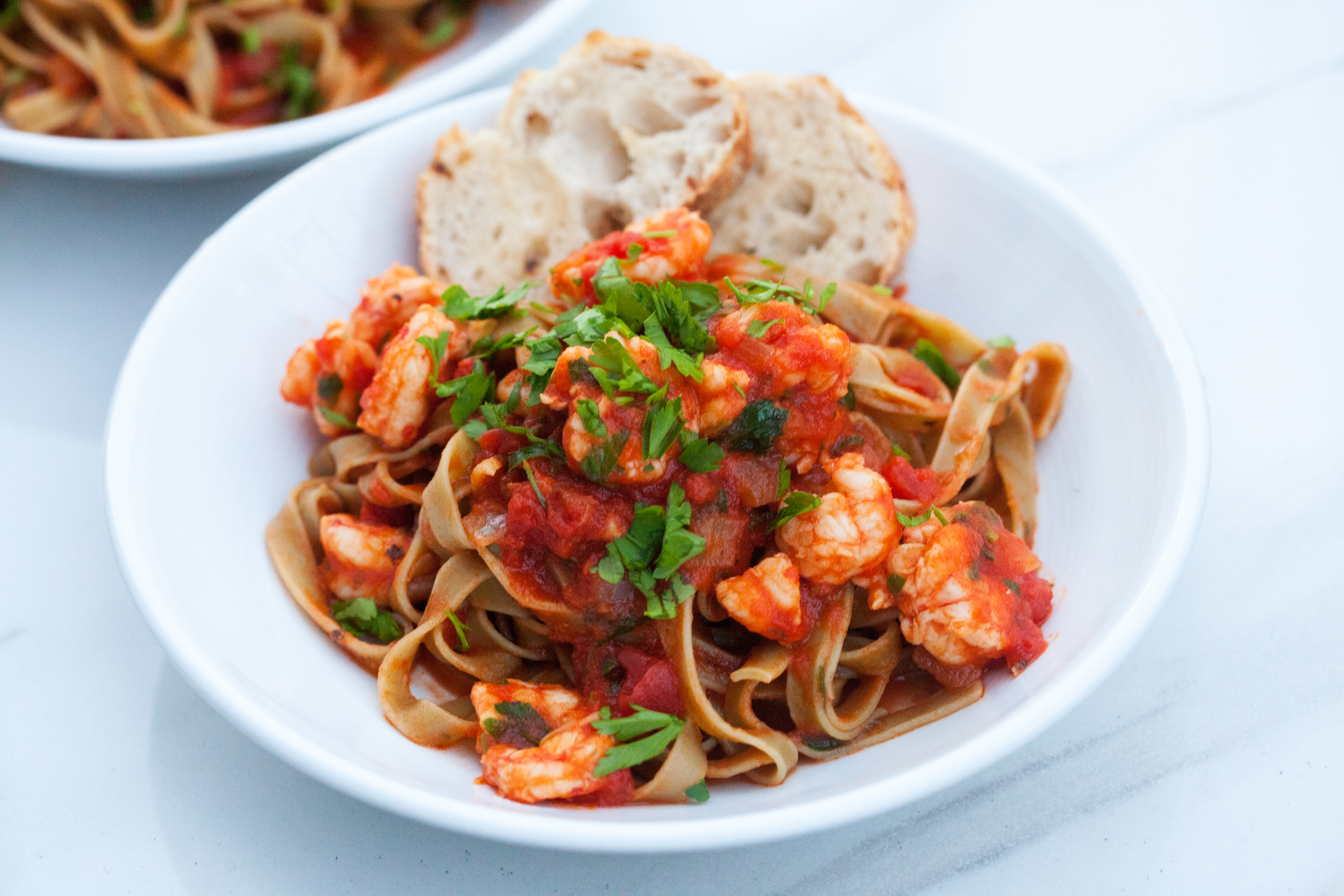 A few ingredients and around 30min results in a super tasty pasta that also makes great leftovers! |spachethespatula.com #recipe