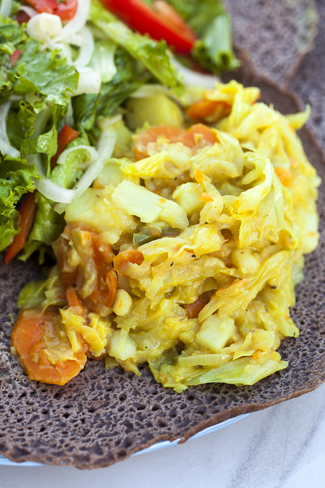 This veggie side is full of flavor, and a perfect compliment to other Ethiopian offerings! | spachethespatula.com #recipe #vegan