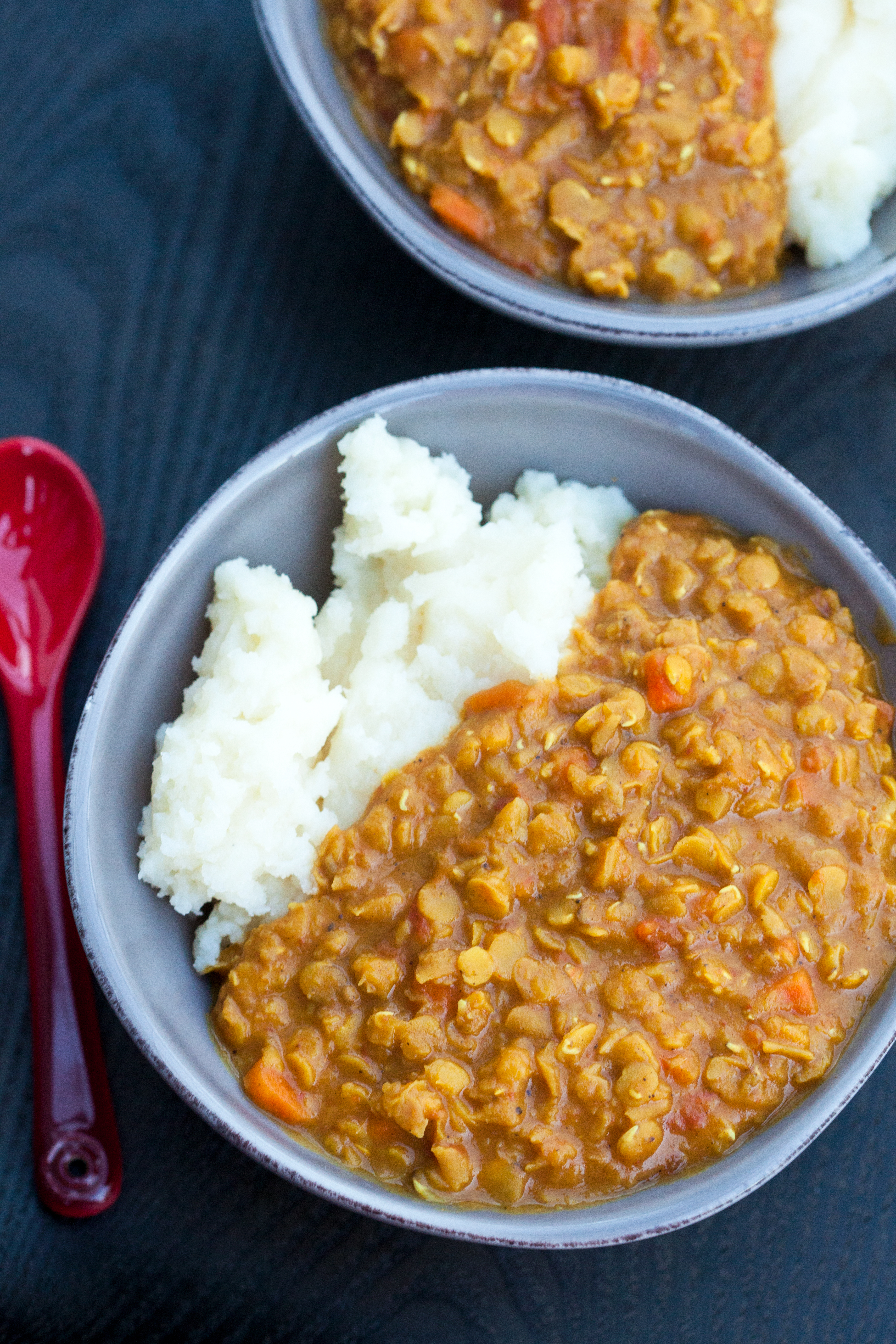 A super easy, and super tasty curried lentil dish that pairs perfectly with everything from mashed potatoes to flatbread | spachethespatula.com #recipe #vegan